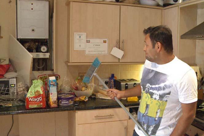 Απρόσκλητος επισκέπτης στο πρωινό μιας βρετανικής οικογένειας (6)
