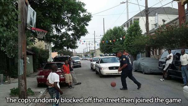 Αστυνομικοί που δίνουν το καλό παράδειγμα (6)