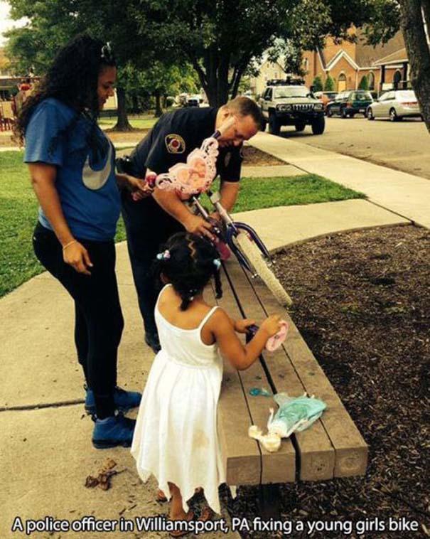 Αστυνομικοί που δίνουν το καλό παράδειγμα (12)