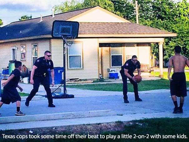 Αστυνομικοί που δίνουν το καλό παράδειγμα (21)