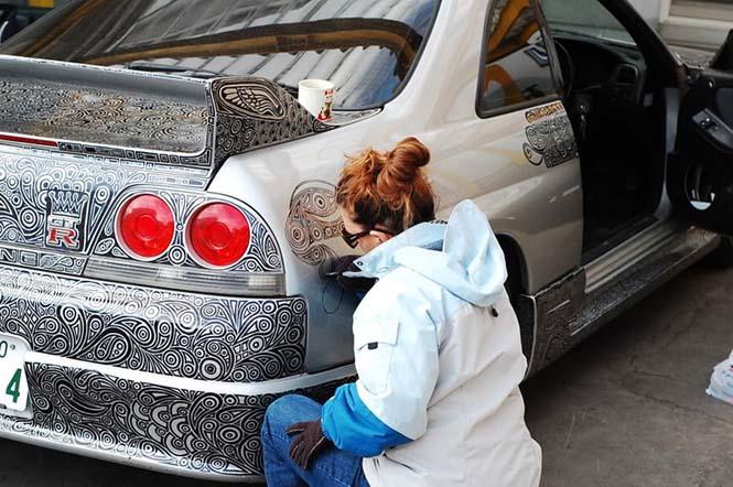 Έδωσε το αυτοκίνητο του και έναν ανεξίτηλο μαρκαδόρο στην καλλιτέχνιδα γυναίκα του (2)