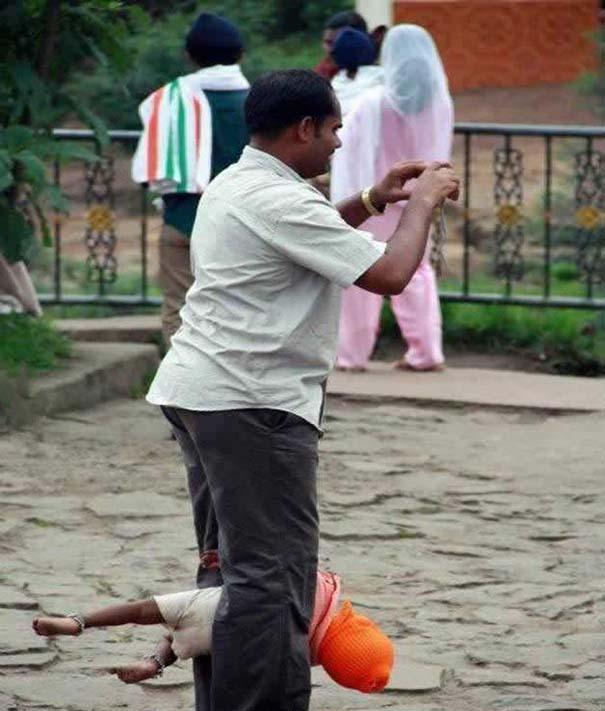 Εν τω μεταξύ, στην Ινδία... (11)