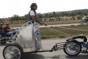 Έχετε ξαναδεί μοτοσυκλέτα με άρμα;