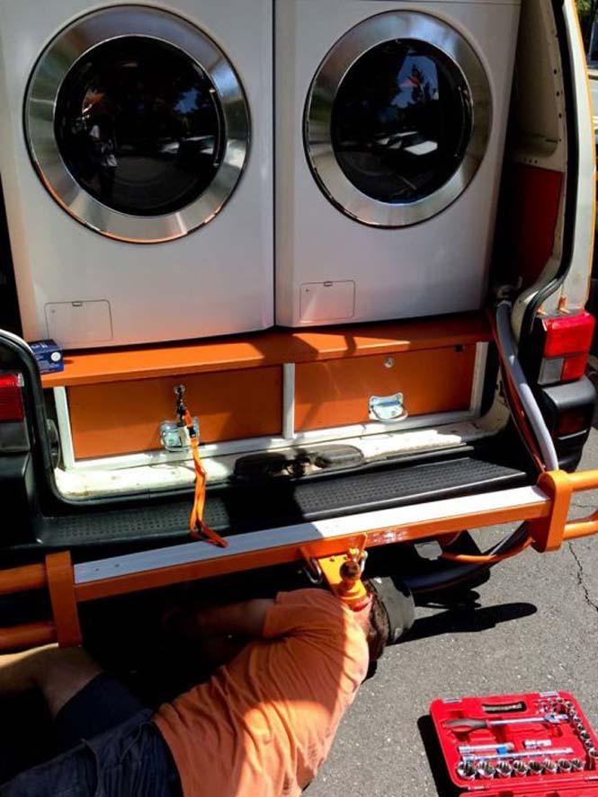 Φορητό πλυντήριο για αστέγους (12)