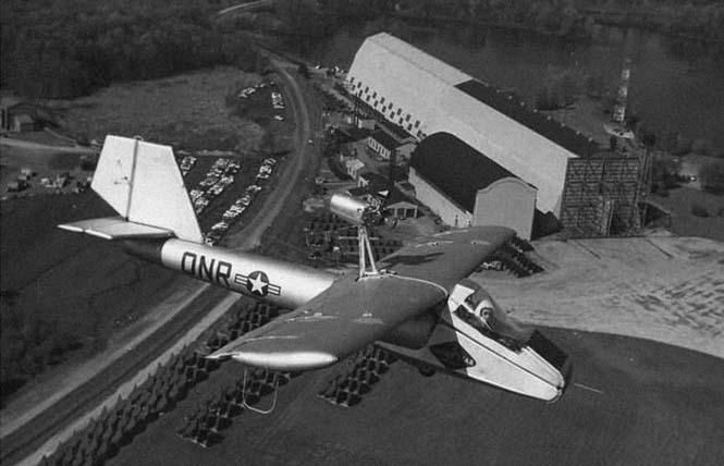 Το φουσκωτό αεροπλάνο της Goodyear (2)