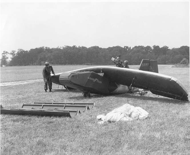 Το φουσκωτό αεροπλάνο της Goodyear (9)