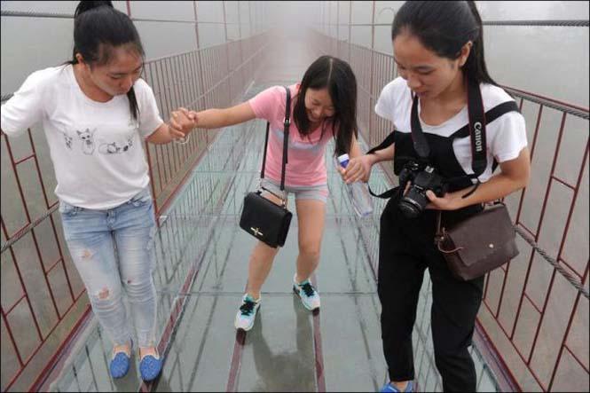 Γυάλινη γέφυρα σε επαρχία της Κίνας (1)