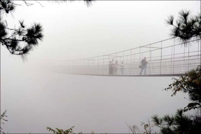 Γυάλινη γέφυρα σε επαρχία της Κίνας (3)