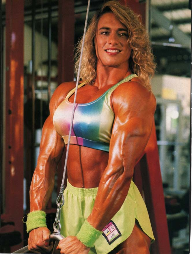 Δείτε πως έγινε μια γυναίκα μετά από 20 χρόνια χρήσης στεροειδών (5)
