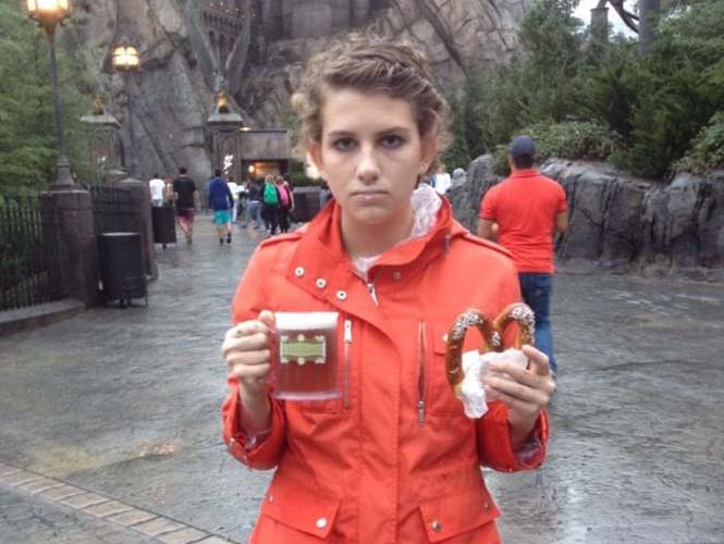 Η κοπέλα που έγινε διάσημη επειδή μισεί την Disney World (14)