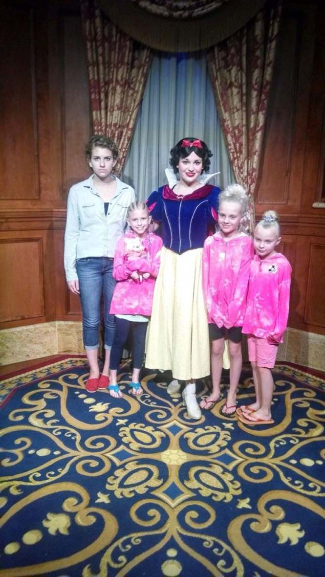 Η κοπέλα που έγινε διάσημη επειδή μισεί την Disney World (21)