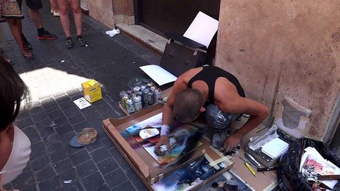 Αυτός ο καλλιτέχνης στους δρόμους της Ρώμης δημιουργεί κάτι εκπληκτικό που δεν έχετε ξαναδεί