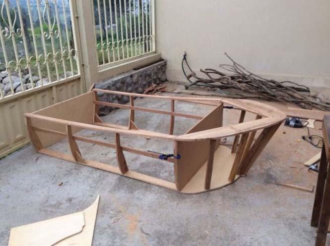 Γονείς κατασκεύασαν κρεβάτι - βάρκα για το παιδί τους (4)
