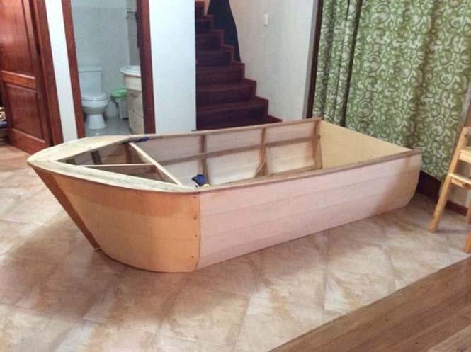 Γονείς κατασκεύασαν κρεβάτι - βάρκα για το παιδί τους (7)