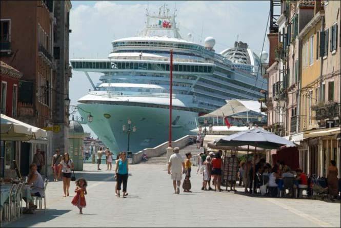 Κρουαζιερόπλοιο στην Βενετία (2)
