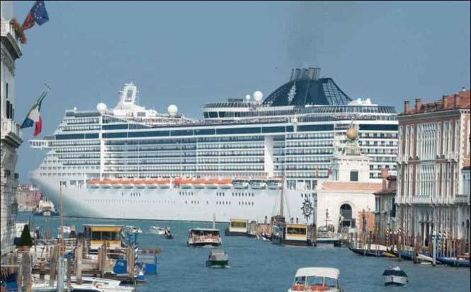 Κρουαζιερόπλοιο στην Βενετία (3)