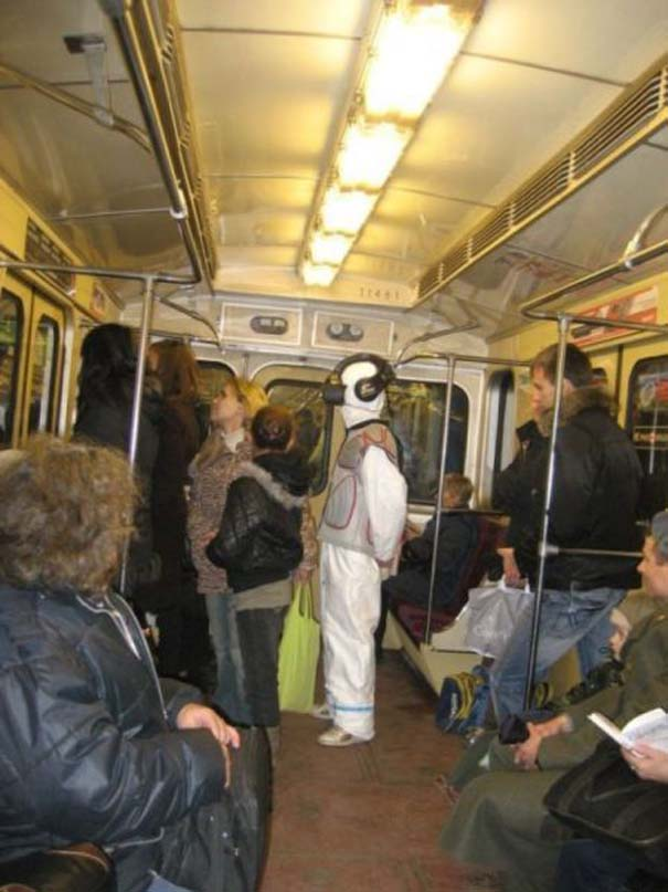Παράξενες και κωμικοτραγικές φωτογραφίες στα μέσα μεταφοράς (2)