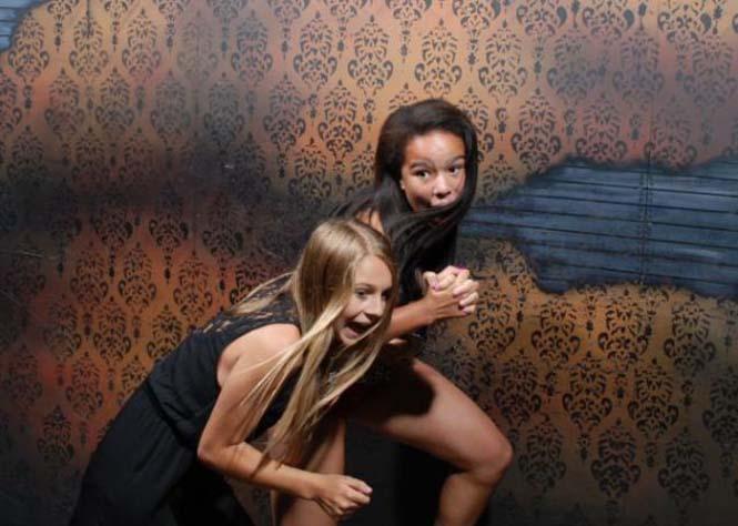 Άνθρωποι στο τρομακτικό «Nightmares Fear Factory» (1)