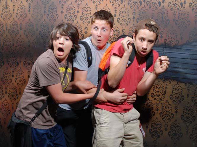 Άνθρωποι στο τρομακτικό «Nightmares Fear Factory» (3)