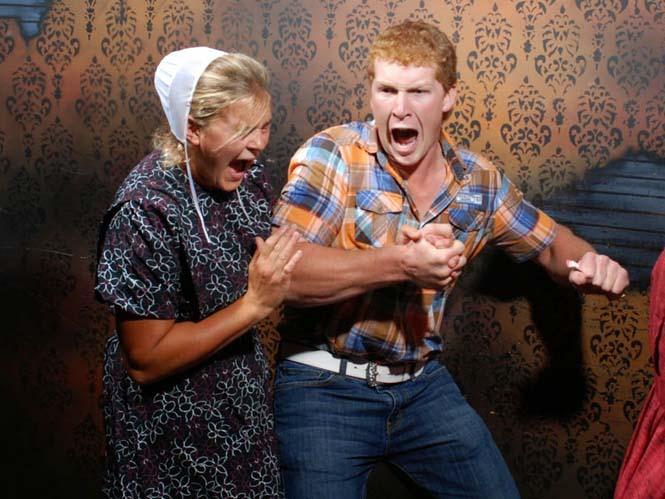 Άνθρωποι στο τρομακτικό «Nightmares Fear Factory» (9)