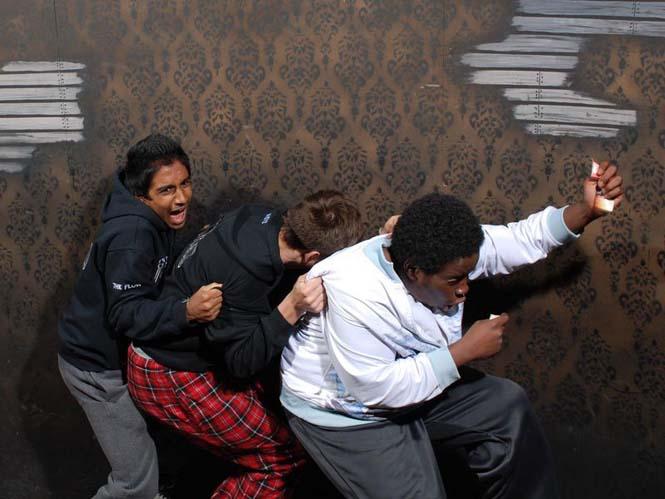 Άνθρωποι στο τρομακτικό «Nightmares Fear Factory» (18)