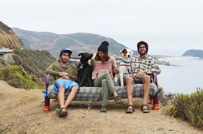 Παρέα βρήκε έναν απίστευτο τρόπο να περάσει το καλοκαίρι στον καναπέ (10)
