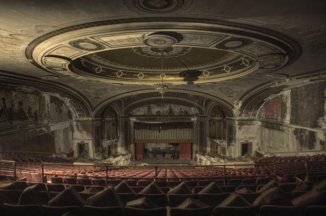 Εγκαταλελειμμένο θέατρο στη Νέα Υόρκη | Φωτογραφία της ημέρας