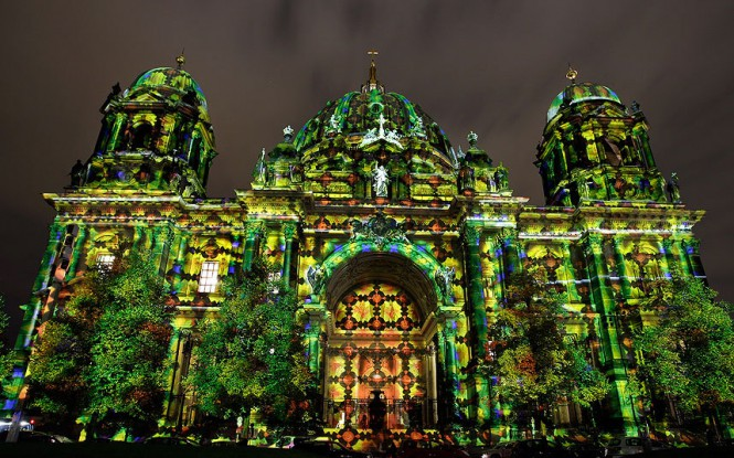 Εντυπωσιάζει το Φεστιβάλ του Φωτός στο Βερολίνο | Φωτογραφία της ημέρας