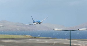 Πιλότος σώζει αεροπλάνο που κάνει βουτιά κατά τη διάρκεια της προσγείωσης (Video)