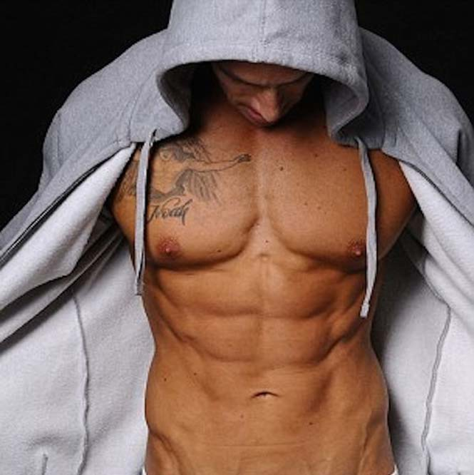 «Έλιωσε» στο γυμναστήριο και έγινε... μοντέλο (5)