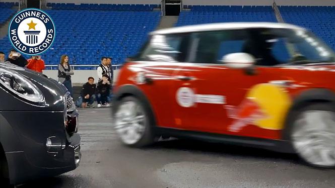 Το απίστευτο νέο παγκόσμιο ρεκόρ παρκαρίσματος σε στενό χώρο