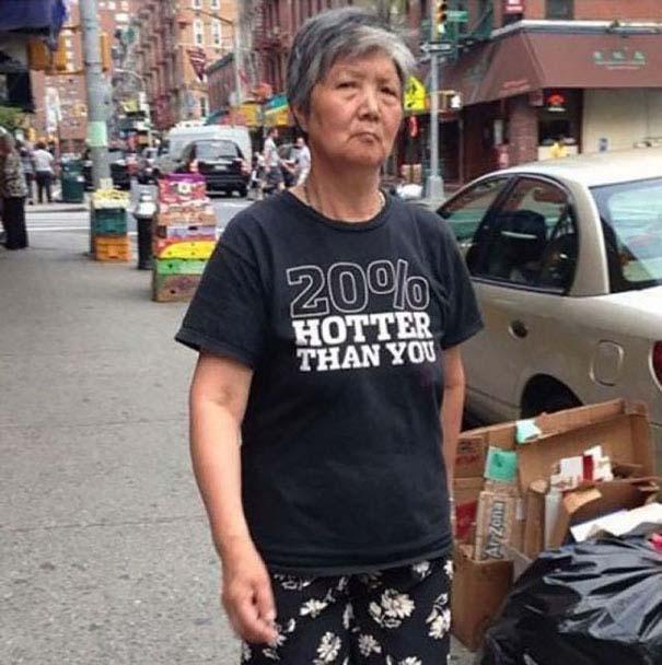 Ηλικιωμένοι με αστεία μπλουζάκια (12)