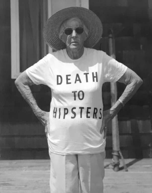 Ηλικιωμένοι με αστεία μπλουζάκια (17)