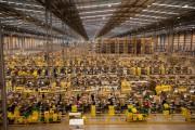 Μια αποθήκη της Amazon ένα μήνα πριν τα Χριστούγεννα (1)