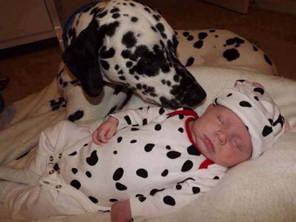 Μωρά με σκύλους: Ένας ακαταμάχητος συνδυασμός (10)