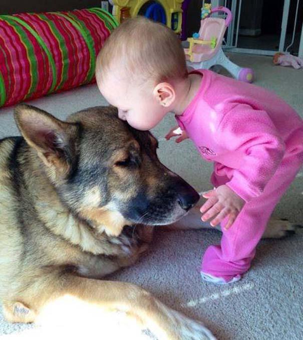 Μωρά με σκύλους: Ένας ακαταμάχητος συνδυασμός (18)