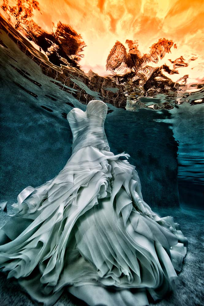 Νύφες σε υποβρύχια φωτογράφηση (21)
