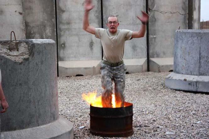 Όταν οι στρατιώτες διασκεδάζουν... (1)