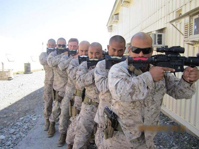 Όταν οι στρατιώτες διασκεδάζουν... (3)