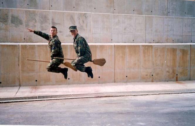 Όταν οι στρατιώτες διασκεδάζουν... (6)