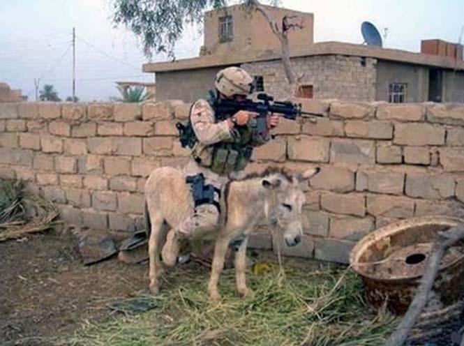 Όταν οι στρατιώτες διασκεδάζουν... (10)
