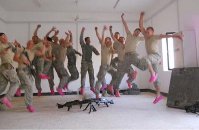 Όταν οι στρατιώτες διασκεδάζουν... (13)