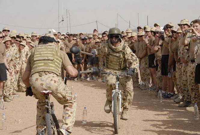 Όταν οι στρατιώτες διασκεδάζουν... (15)