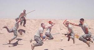 Όταν οι στρατιώτες διασκεδάζουν…