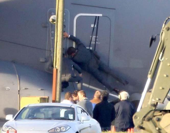 Ο Tom Cruise αψηφά το θάνατο σε ένα stunt για τη νέα του ταινία (8)