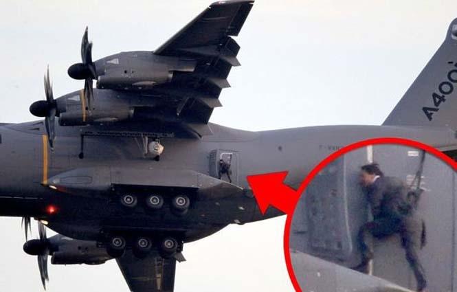 Ο Tom Cruise αψηφά το θάνατο σε ένα stunt για τη νέα του ταινία (18)