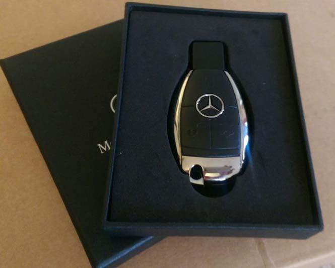 Αυτός ο τύπος έκανε την κοπέλα του να πιστέψει πως της αγόρασε μια Mercedes... (2)