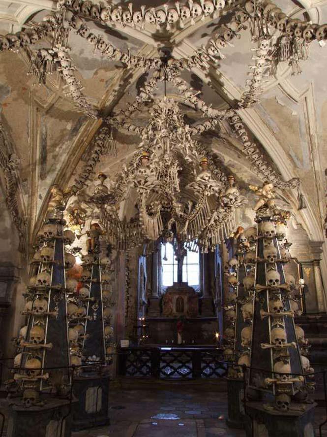 Εκκλησία που προκαλεί εφιάλτες (5)