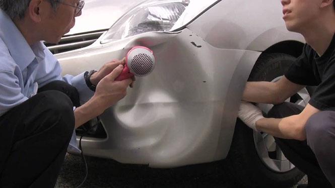 Επισκευάζοντας ένα βούλιαγμα στο αυτοκίνητο με το πιστολάκι για τα μαλλιά