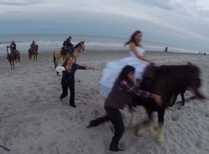 Η φωτογράφηση γάμου με άλογο δεν είναι πάντα καλή ιδέα (3)